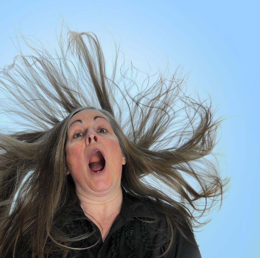 天冷了头发老是起静电图片